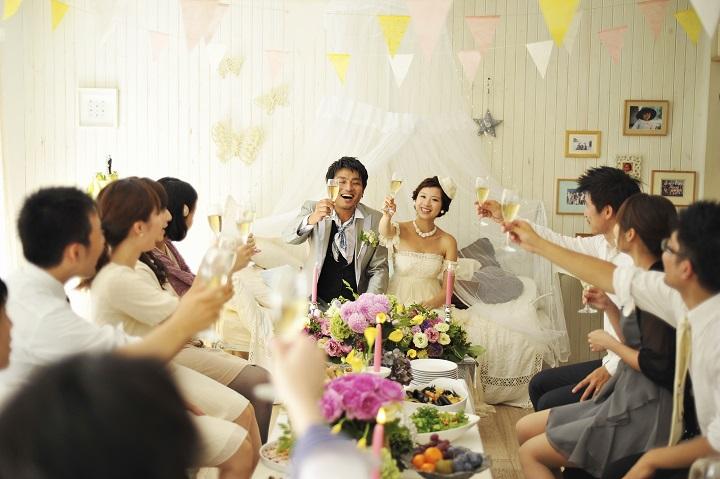 5cc0d6e417bff 次の結婚式スタイルはこれだ!空飛ぶペンギン社が大予想!